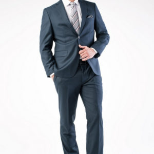 Мужской костюм темно-синий классический.
