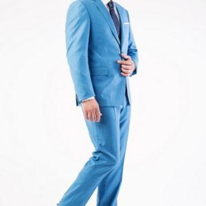 Мужской костюм голубой.