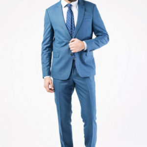 Мужской костюм синий.